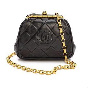 Coming soon❤️Vintage Chanel kisslock chain bag